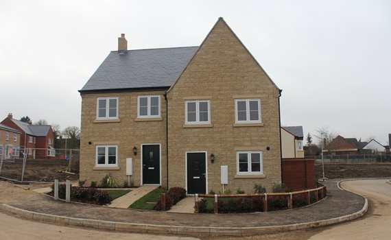 2 and 3 bed house Main Street Tingewick.JPG